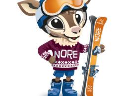 Maskott Nore Rein fra Norefjell står med slalomskiene sine